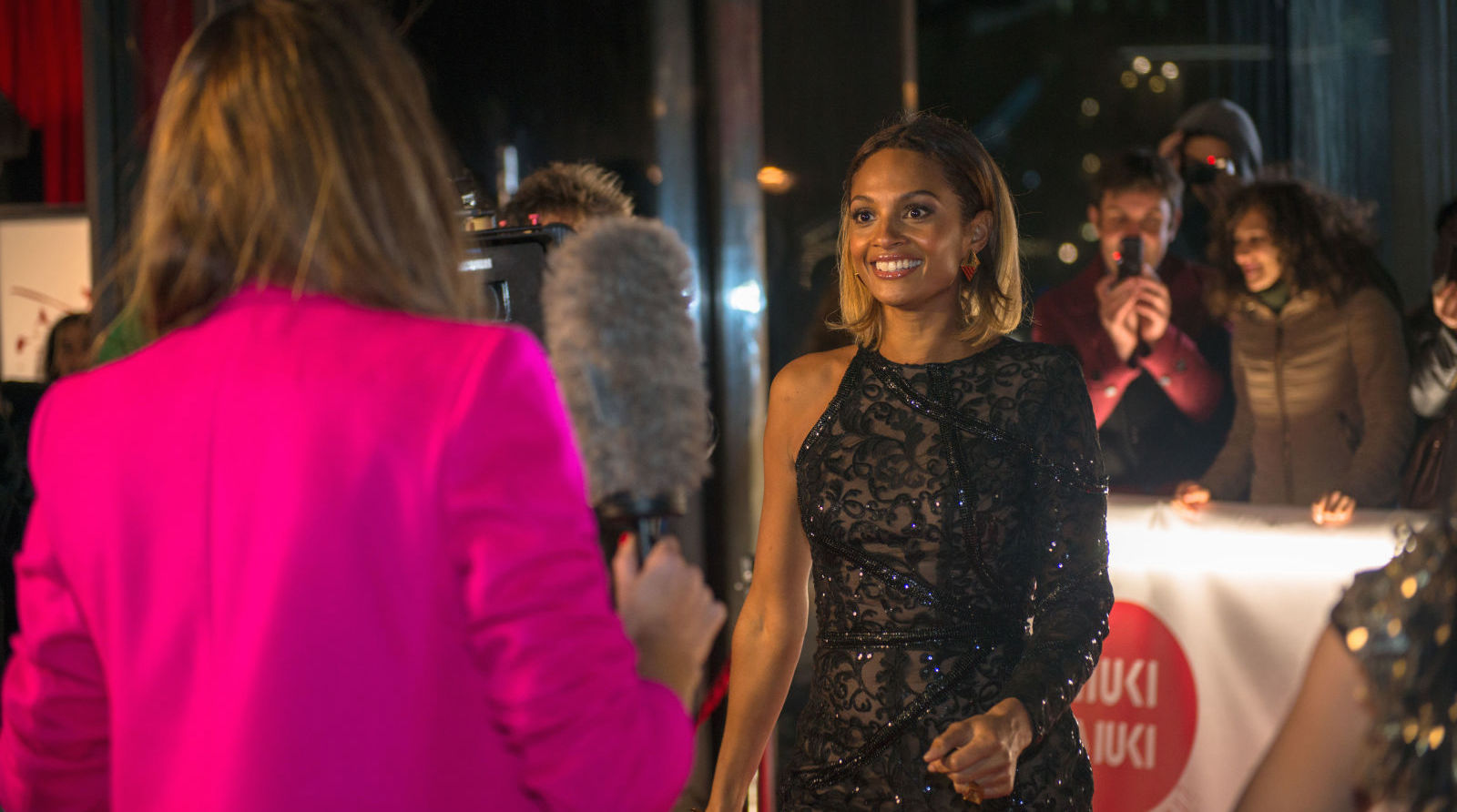 gallery-1461588660-movies-ab-fab-the-movie-cameo-alesha-dixon